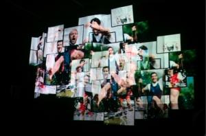 Multimedialny spektakl opowiada o świecie wartości marki