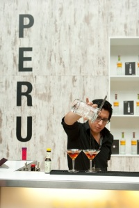 Guestcountry Peru serving Pisco-Drinks at the Bar Convent Berlin_Credit Tim Klöcker
